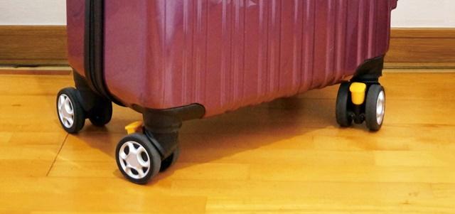 スーツケースのタイヤ