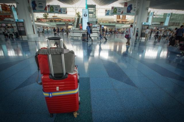 スーツケース預ける
